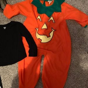 Pumpkin costume and leggings